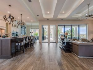 representing 7 reasons why build a home in florida